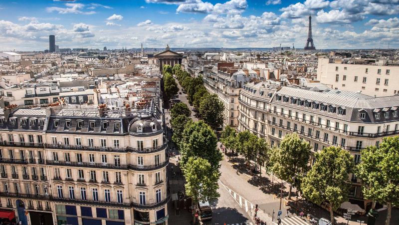 High city view of Paris during a beautiful day