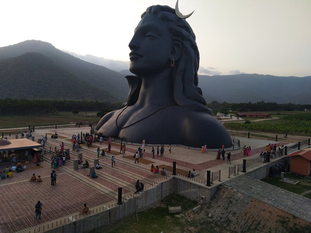 World-record_Adiyogi_bust.jpg