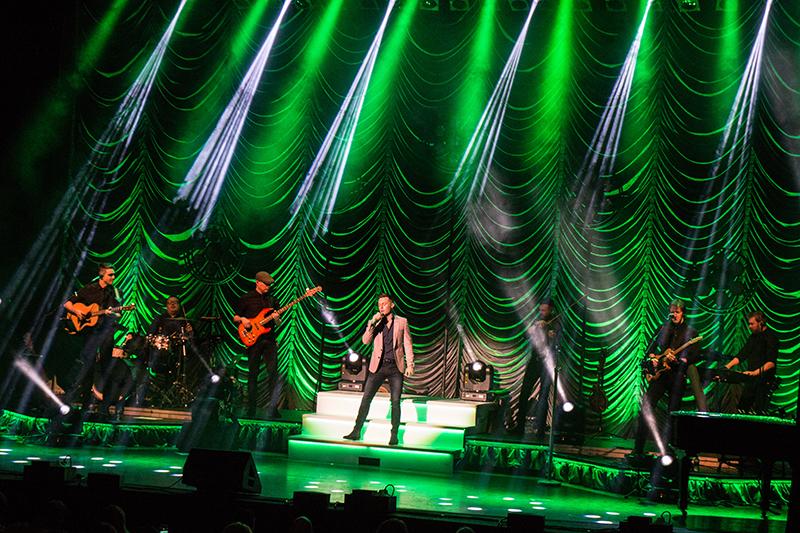 Nathan Carter UK Tour 2020 - 8.jpg