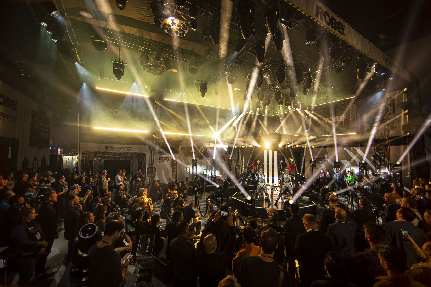 Robe LDI 2019 post show ldi222022116.jpg
