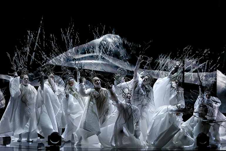 madama-butterfly-sw19-production-shot-04-high-res.jpg