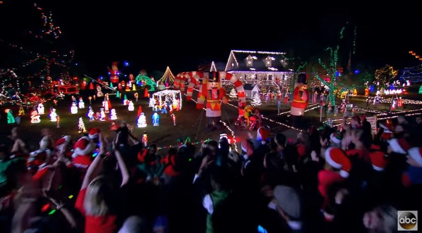 Great Christmas Light Fight 2021 Contestants The Winners Of Abc S Great Christmas Light Fight 2016 Livedesignonline