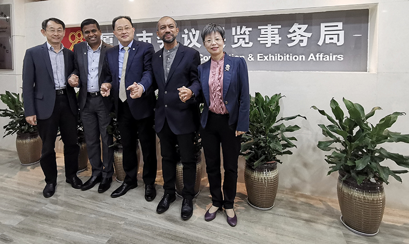 From left to right: Mr. Qiu Guoyue, Xiamen ITG MICE Group; Mr. Senthil Gopinath, ICCA; Mr. Jeoven Wong, Xiamen Municipal Bureau of Convention & Exhibition Affairs; Mr. Noor Hamid, ICCA Asia Pacific; Ms. Huang Xiuyun, C&D Global Tourism Group