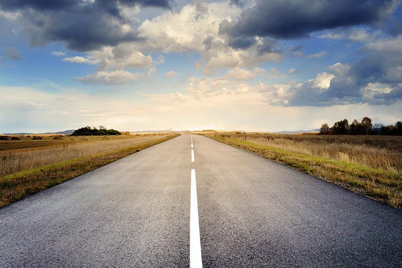 country road meeting horizon