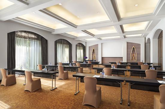 Anantara physically distant meeting room