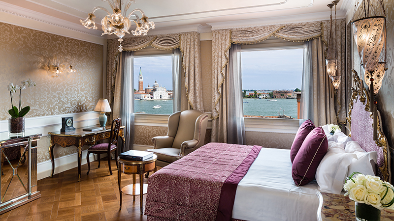 3 Baglioni Hotel Luna Venezia Junior Suite Lagoon View Bedroom 1