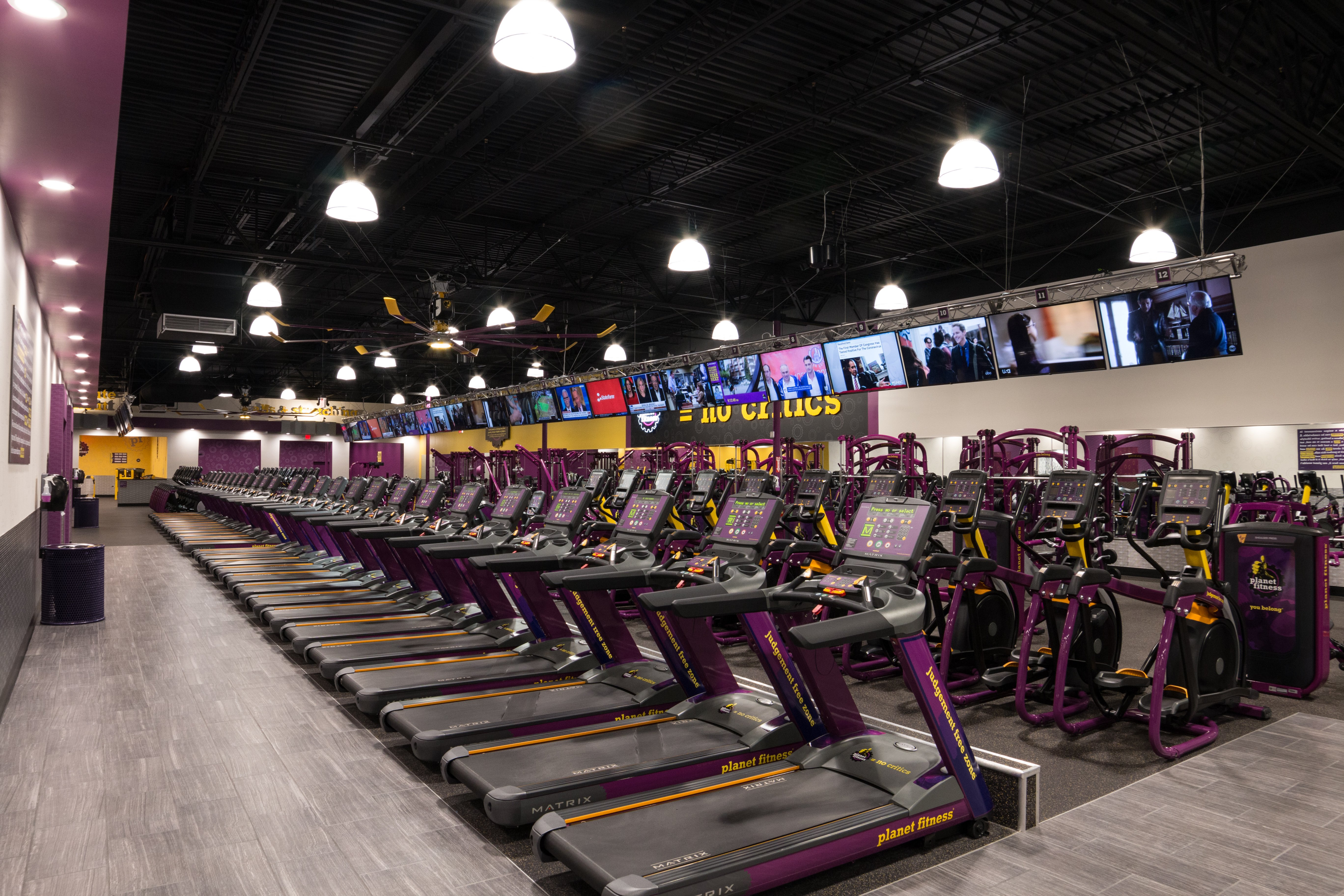 Planet Fitness In South Florida Welcomes Gym Members Of Nearby Fitness Centers To The Judgement Free Zone Club Industry