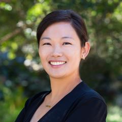 head shot photo of Julie Yoo