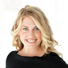 Julie Keller Callaghan headshot