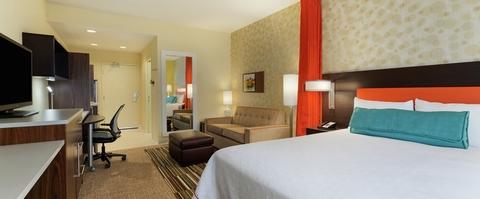 Home2 Suites Guestroom