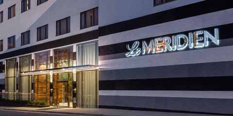 Front entrance of the Le Méridien Charlotte