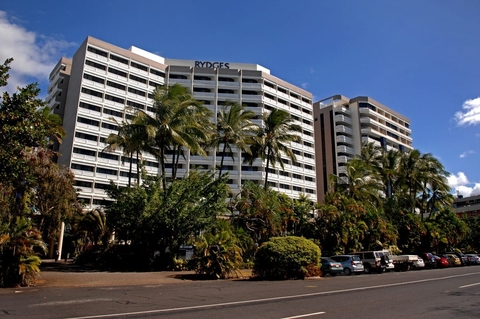 Rydges Esplanade Cairns