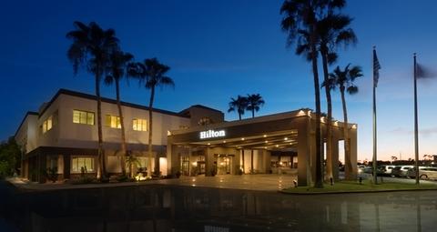 Heavlin Management Company To Operate The Hilton Phoenix Airport