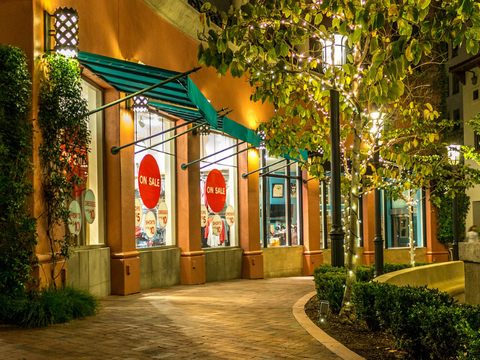 shopping storefront mall