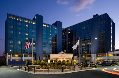 Crescent Hotels Resorts To Manage The Crowne Plaza Jfk Airport