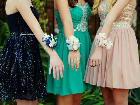 Macy's, Rent the Runway top prom ad clicks