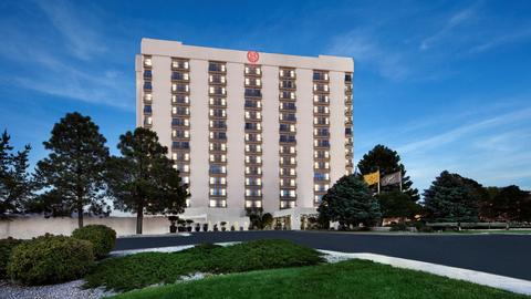 Hrec Arranges Of The Sheraton Albuquerque Airport Hotel
