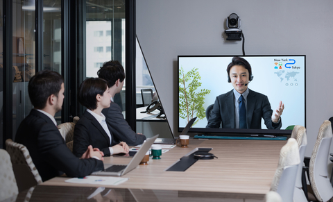 New business models and advances in cloud collaborations are fueling growth in the cloud video collaboration market (Image chombosan / iStockPhoto)
