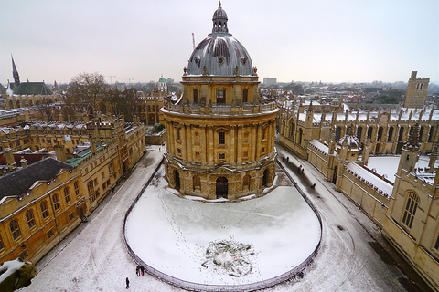 Radcliffe Camera in Oxford, England, on a snowy day
