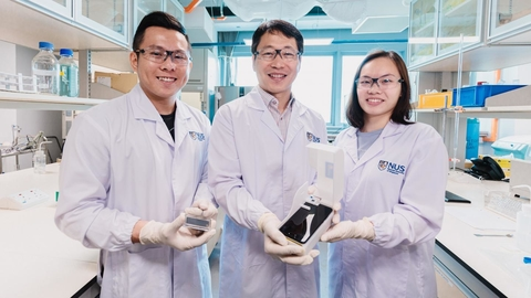 NUS engineers invent smartphone device that quickly detects algae