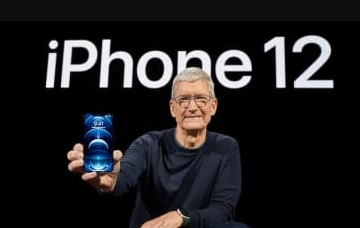 timcookwithiphone12