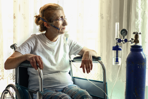 Woman receiving oxygen