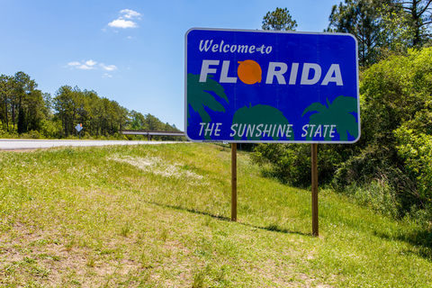 """A sign that reads """"Welcome to Florida"""""""