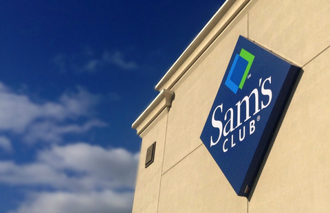 Front of a large sam's club store (Image: Mike Mozart / CC BY 2.0)