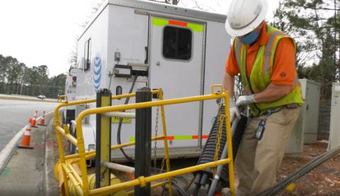 AT&T deploys fiber