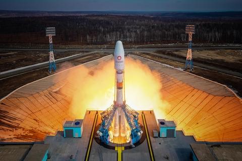 OneWeb satellite broadband rocket launch