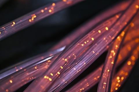 Lit fiber