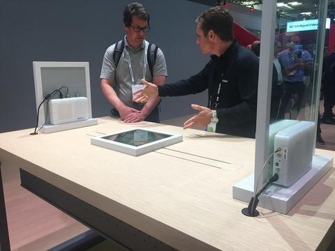 Verizon prototype indoor/outdoor 5G modem