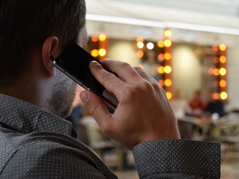 Sprint, Tracfone, others implore regulators not to ban MVNOs and