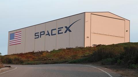 SpaceX hangar