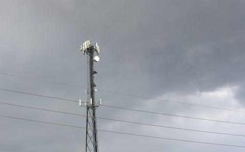 cell phone tower (Mike Dano / FierceWireless)