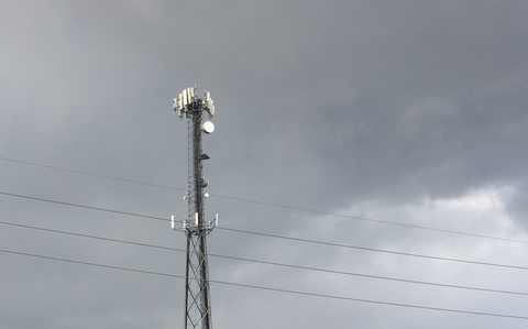 cell phone tower (Mike Dano / FierceWireless)