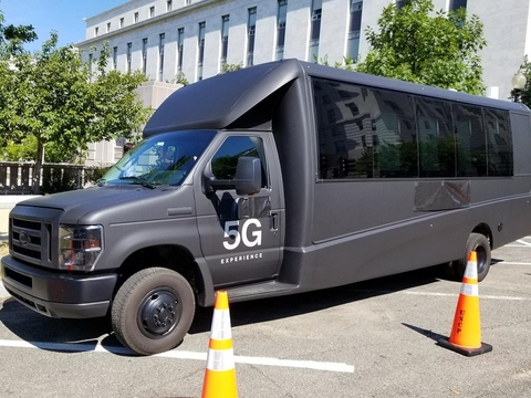 Verizon 5G bus for fixed wireless (Verizon)