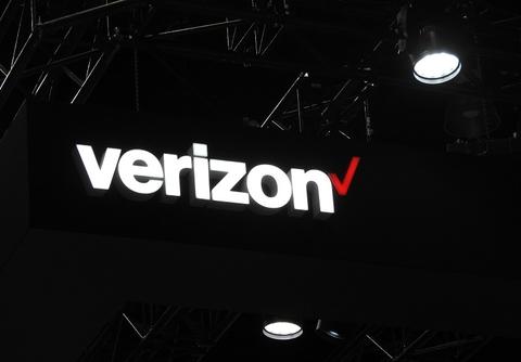 Verizon sign MWCLA19