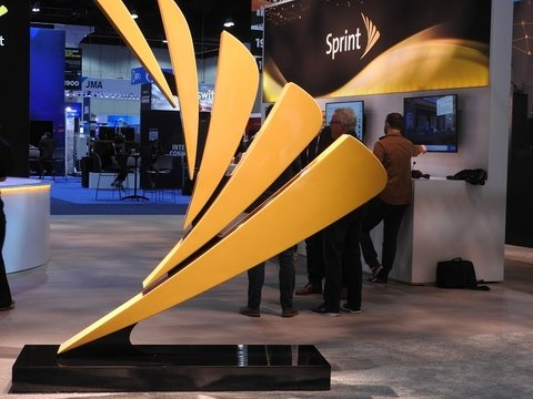 Sprint sign MWCLA19