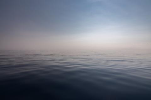 Empty ocean and horizon