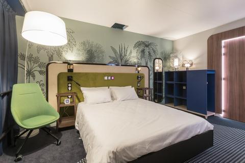 Accorhotels details new smart room concept hotel management for Hotel designer