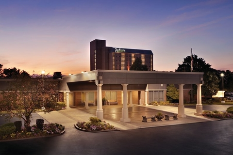 Carlson Changes Name To Radisson As Owner Seeks Shed Ets