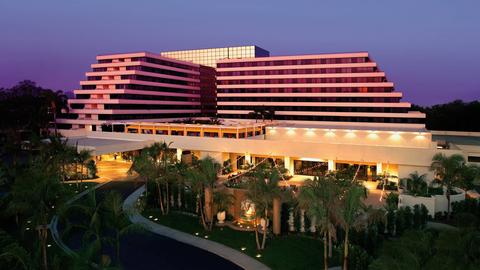 Crescent Hotels Flips Former Duke Hotel Newport Beach Into A Renaissance