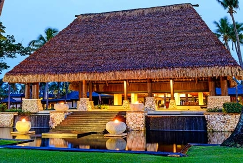Fiji National Provident Fund is in talks with Starwood Hotels & Resorts to purchase a majority of its hotels in Fiji.