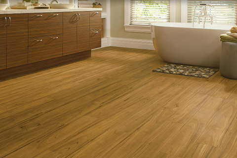 Armstrong Luxe Plank Flooring Is A Waterproof Scratch Resistant Alternative To Real Wood And