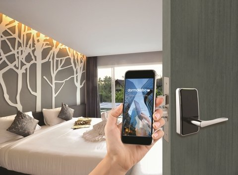 4 things to consider when making the move to mobile key