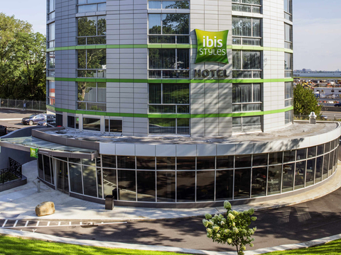The ibis Styles New York LaGuardia Airport is one of the few AccorHotels properties in the U.S.