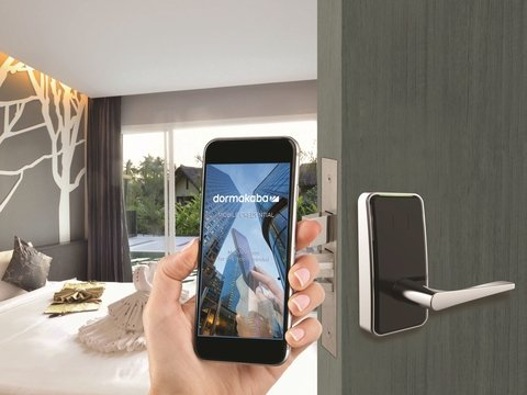 Why mobile key is taking over in hotels   Hotel Management
