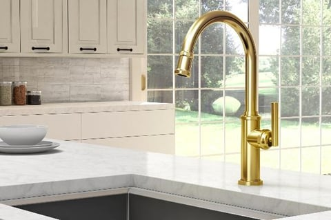 With squared, faceted details on both the base and at the end of its curved spout, the Heaney is distinguished by its minimal yet multidimensional feel.