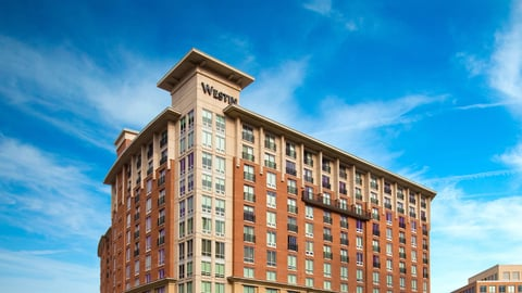 Interstate acquired a management deal with the 319-room hotel through a partnership with Hong Kong-based owner Junson Capital.